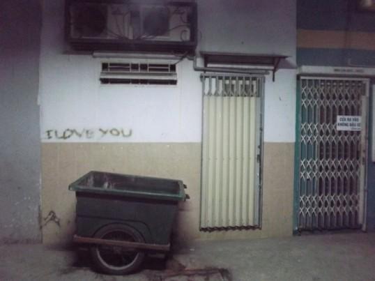 Graffiti, Saigon style.